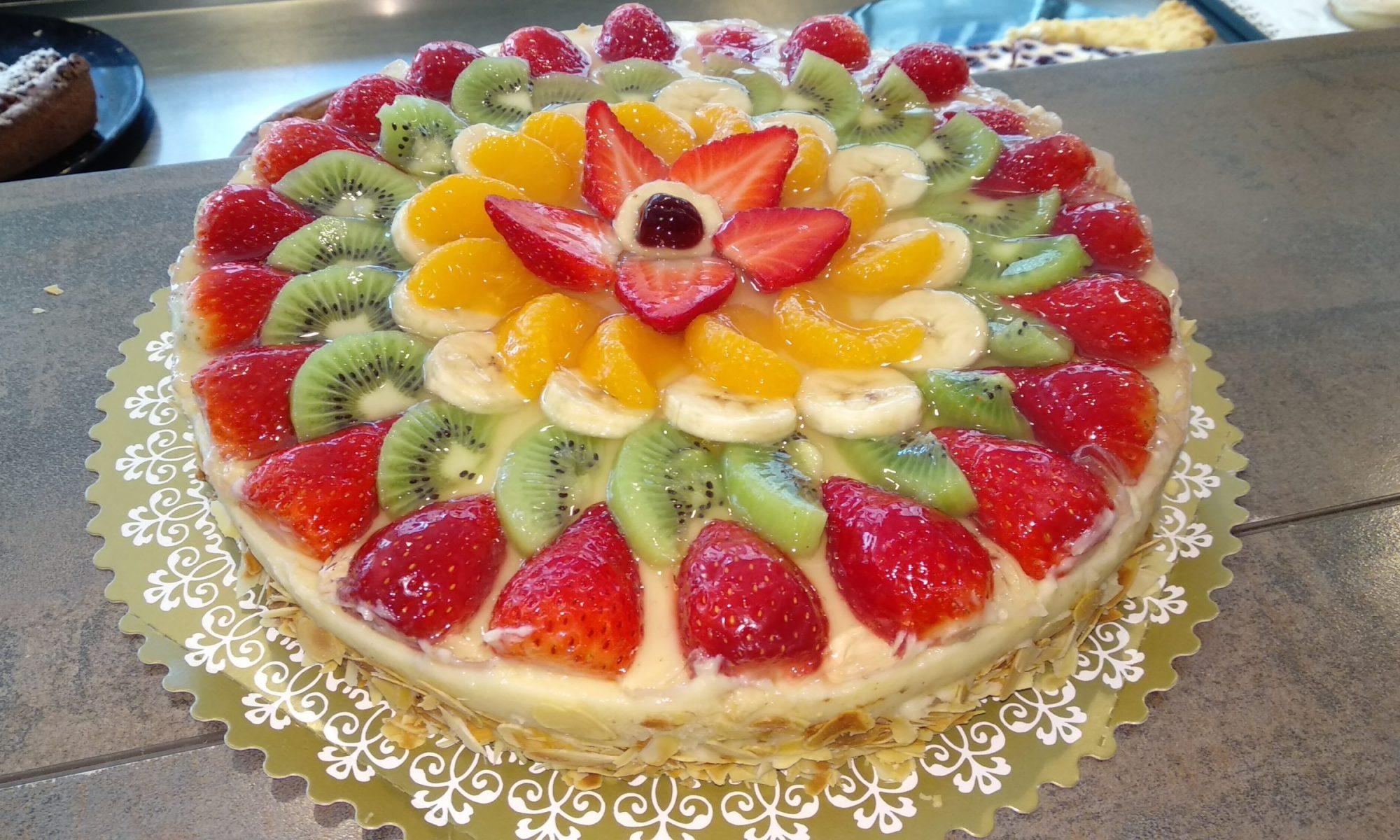 Eine wunderschöne Vierfrucht-Obsttorte