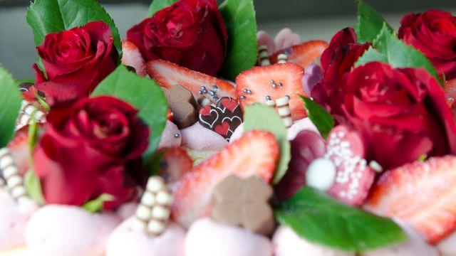 Erdbeersahnetorte, Himbeersahnetorte, Geburtstagstorte